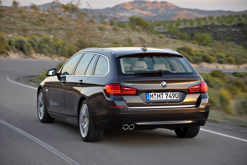 2278_Noul_BMW_Seria_5_Touring_small_800x534-1