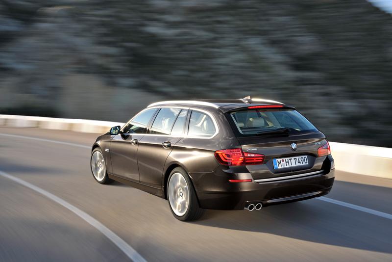 2278_Noul_BMW_Seria_5_Touring_small_800x534
