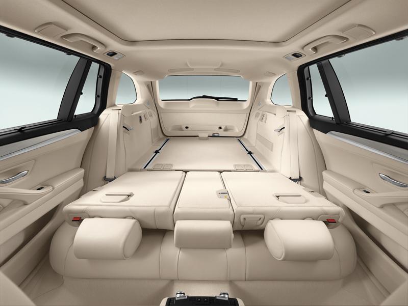 2278_Noul_BMW_Seria_5_Touring_small_800x601-1