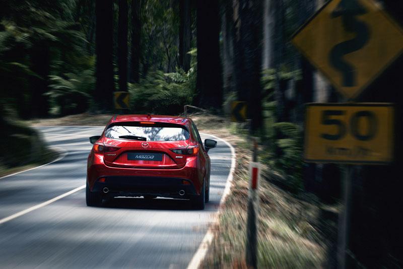 2345_Mazda3_Hatchback_2013_action_06__jpg72