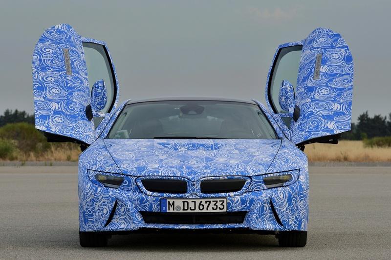 2429_BMW_i8_-_primele_imagini_oficiale_small_800x533-1