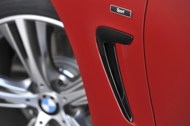 2431_BMW_Seria_4_Coupe_exterior_small_800x532