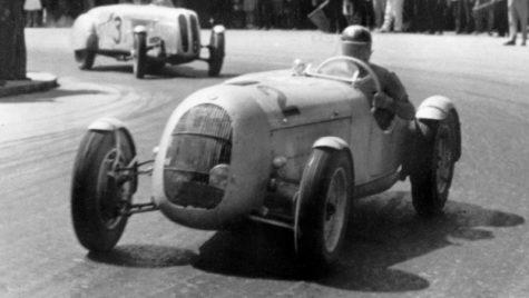 Poveste: victoria unui pilot român legendar pe celebrul circuit Nurburgring