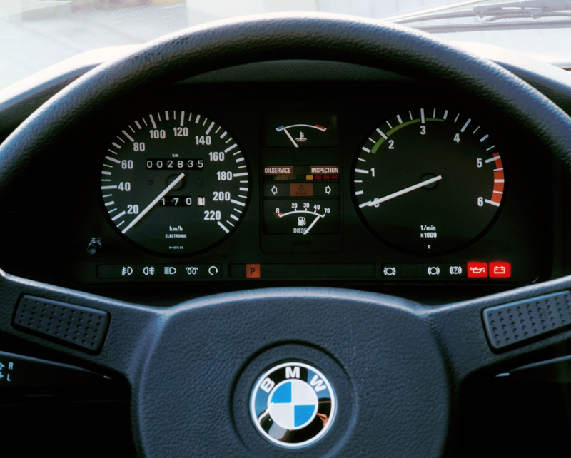 2464_BMW_524td_small_800x642