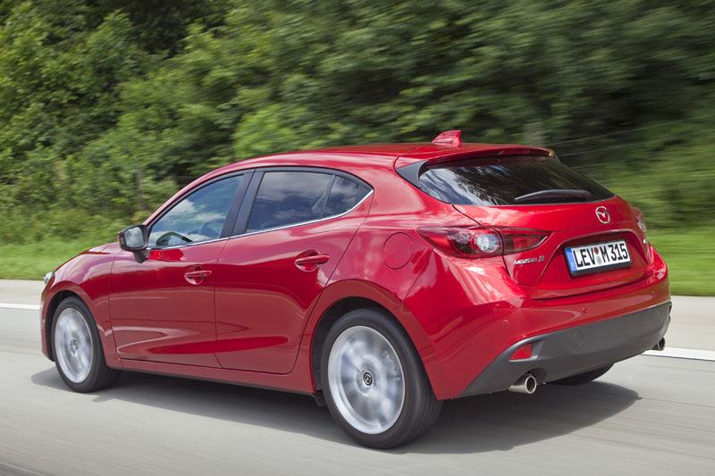 2474_Mazda3_2013_Hatchback_action_10__jpg72