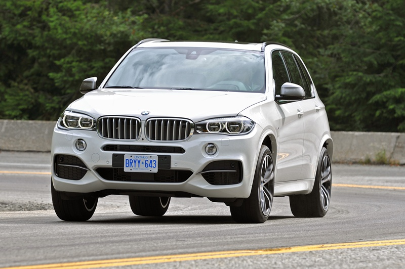 2475_Noul_BMW_X5_M50d_small_800x532-2