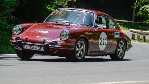 Un Porsche 911 de 40 de ani a ajuns în showroom la Centrul Porsche București