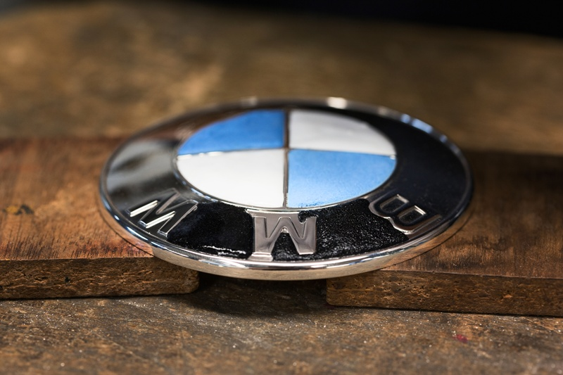 2546_BMW_Individual_760Li_Sterling_inspired_by_ROBBE_BERKING_small_800x533-3