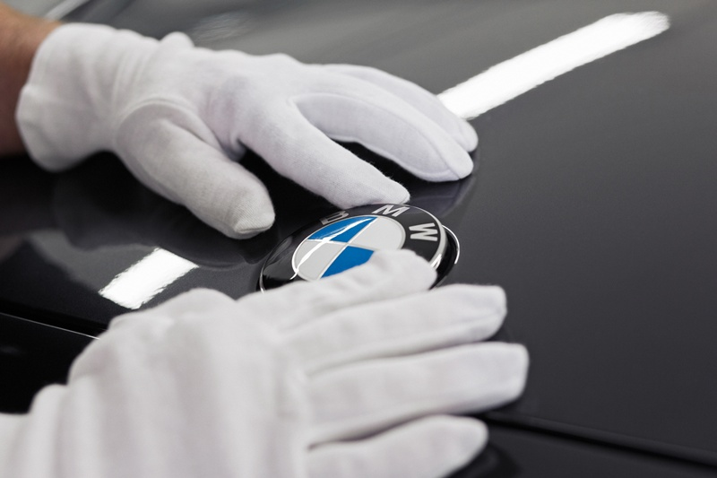 2546_BMW_Individual_760Li_Sterling_inspired_by_ROBBE_BERKING_small_800x533-6