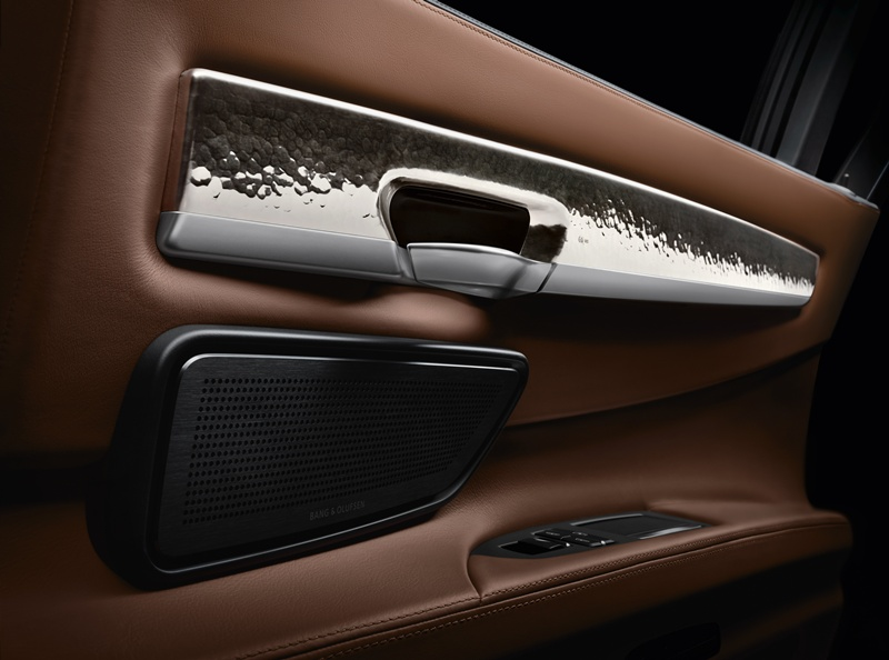 2546_BMW_Individual_760Li_Sterling_inspired_by_ROBBE_BERKING_small_800x594