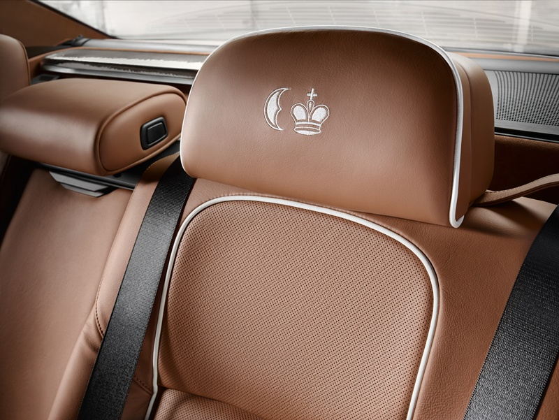 2546_BMW_Individual_760Li_Sterling_inspired_by_ROBBE_BERKING_small_800x601