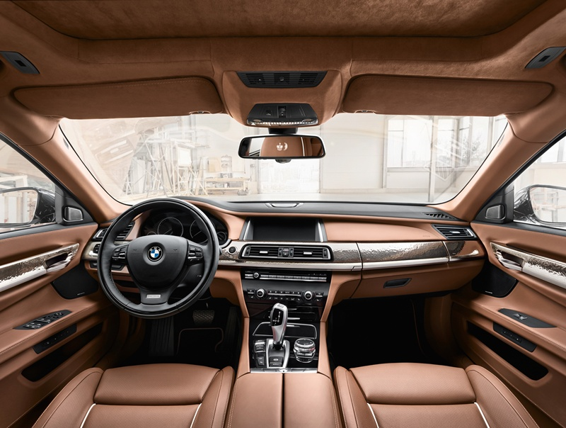 2546_BMW_Individual_760Li_Sterling_inspired_by_ROBBE_BERKING_small_800x604