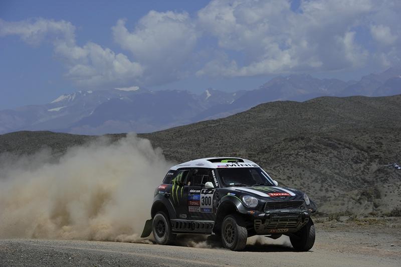 2619__X-Raid_Team_Dakar_2014_small_800x532