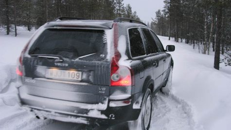 Anvelopele de iarnă obligatorii (momentan) doar pentru transportatori