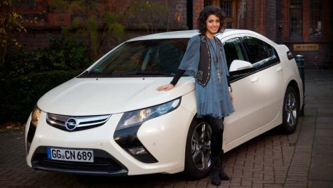Katie Melua este noul ambasador Opel