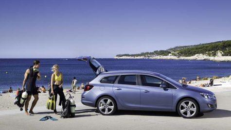 Astra Sports Tourer și Corsa facelift în România