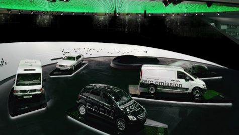 Trecutul se întâlnește cu viitorul în muzeul Mercedes-Benz