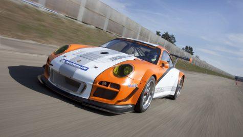 VIDEO: Porsche 911 GT3 R Hybrid aleargă la Nurburgring