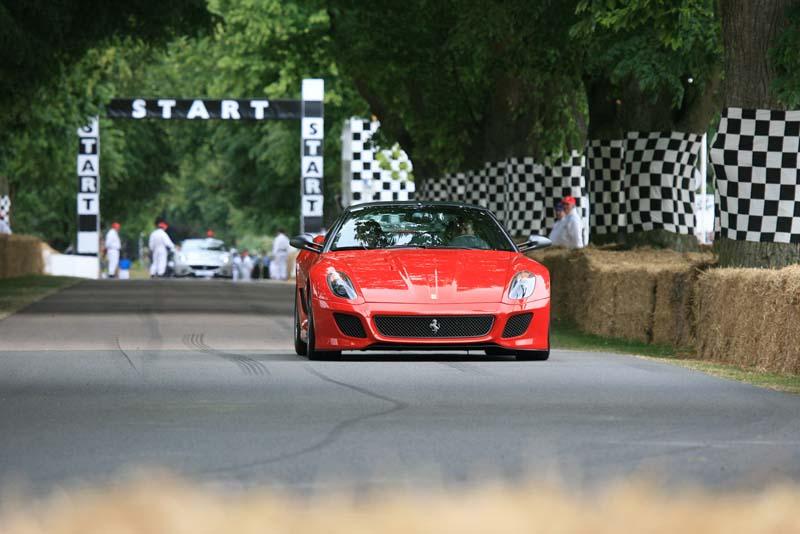 80_Ferrari_599_GTO_on_the_hill_at_Goodwood