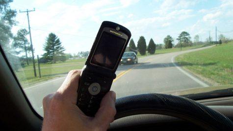 Cu telefonul la volan